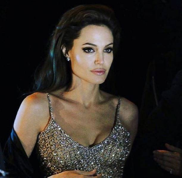 Анджелина Джоли нацелена на восстановление здоровья ... анджелина джоли здоровье