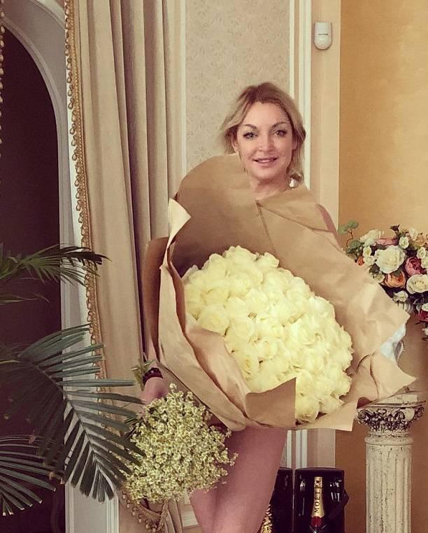 Анастасия Волочкова увела уИгоря Вдовина его супругу Варю Демидову
