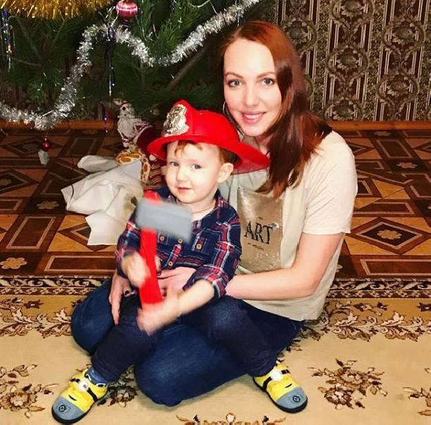 Состояние двухлетнего сына артистки Галины Боб резко ухудшилось— Капельница иреанимация