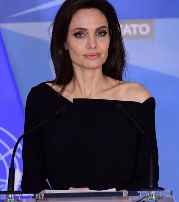 Анджелина Джоли работает на износ, не задумываясь о своем ... анджелина джоли здоровье
