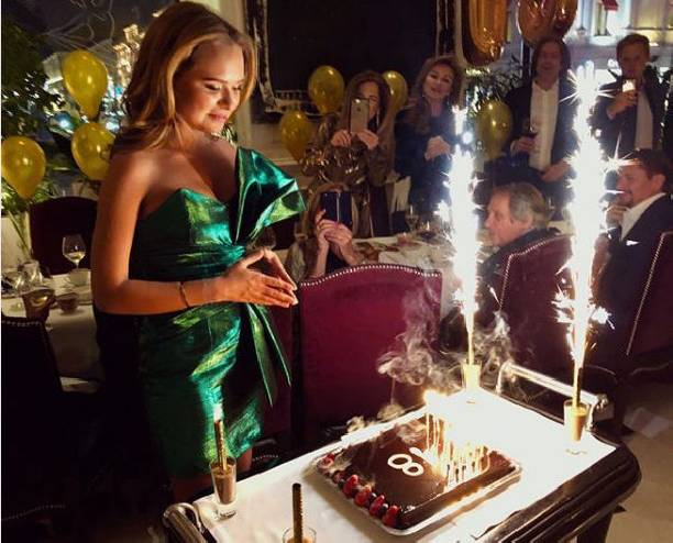 Стефания Маликова счастлива в собственный день рождения