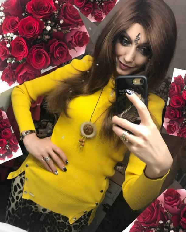 Страдающая отрака эстрадная певица Лама Сафонова экстренно доставлена вбольницу в столице