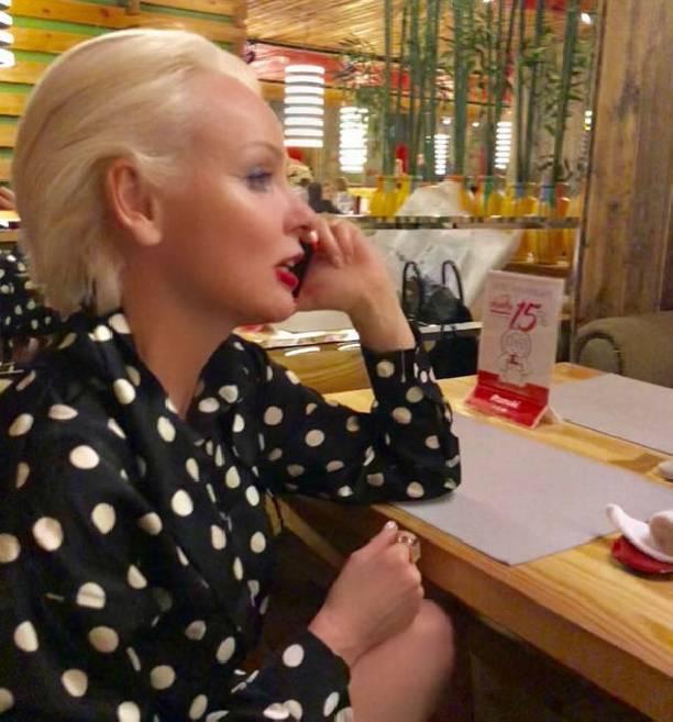 53-летняя звезда сериала «Ангел-хранитель» Жанна Эппле впервый раз стала бабушкой