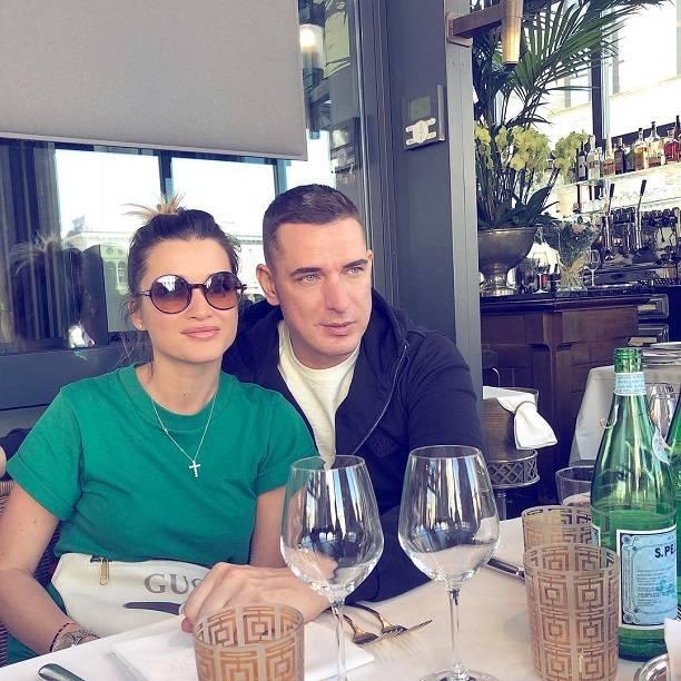 Евгения омарова в знакомствах знакомства в интернете, встречи за границей