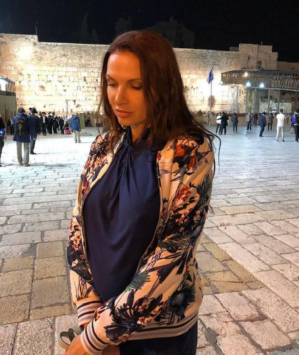 Эвелина Бледанс жаловалась напроблемы сослухом