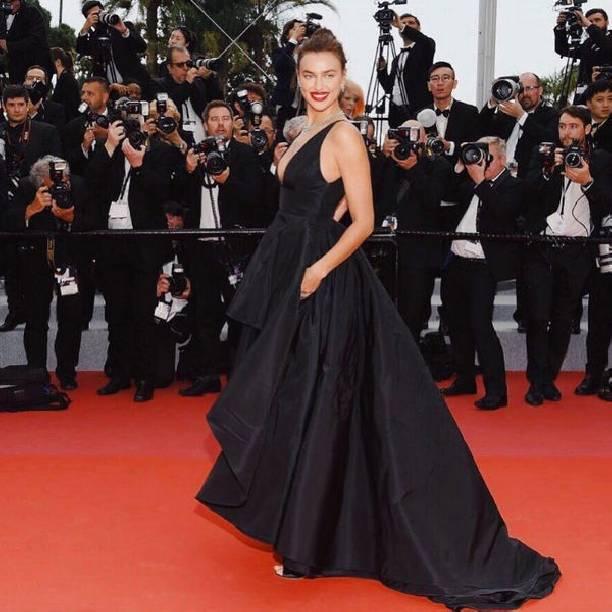 Выбор платья Иры Шейк для Каннского кинофестиваля подкрепило слухи о 2-ой беременности