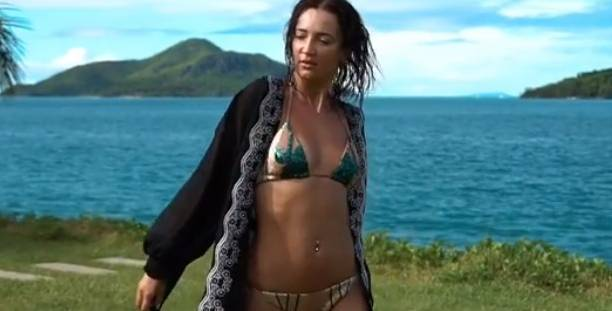 анна костенко показала грудь  VideoLike