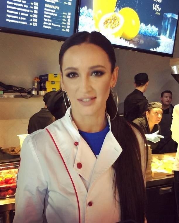 Посетителям ресторана Ольги Бузовой не понравились цены и сама Ольга Бузова