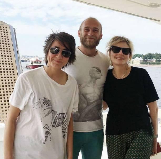 Земфира и Рената Литвинова устроили совместный отдых на яхте