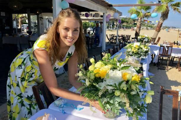 Полина Диброва устроила грандиозную вечеринку на пляже Испании