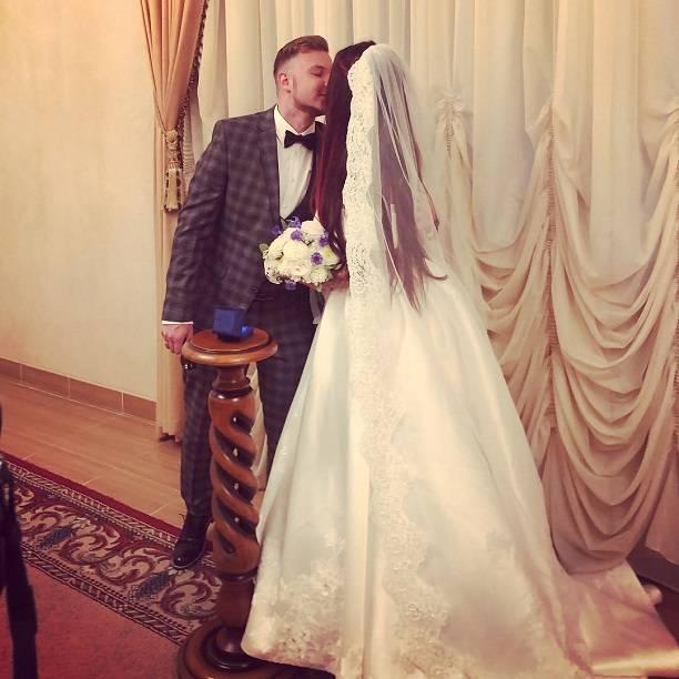Певица Бьянка поделилась первыми фото со свадьбы