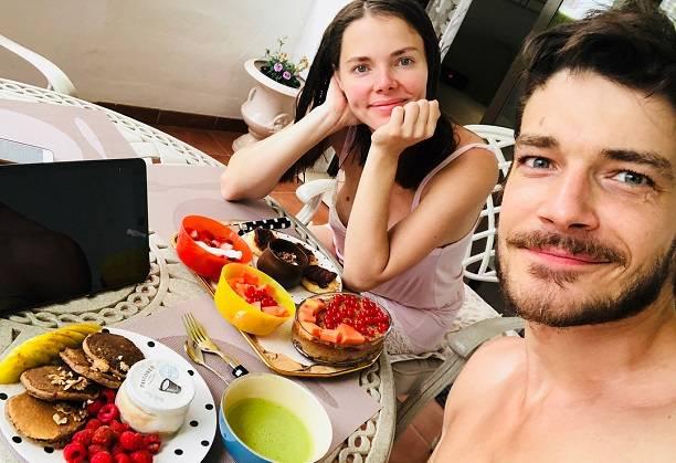 Муж Елизаветы Боярской Максим Матвеев собрался в декретный отпуск по уходу за ребенком