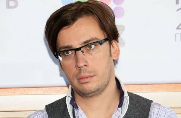 Максим Галкин до неузнаваемости отфотошопил лицо, чтобы выглядеть моложе