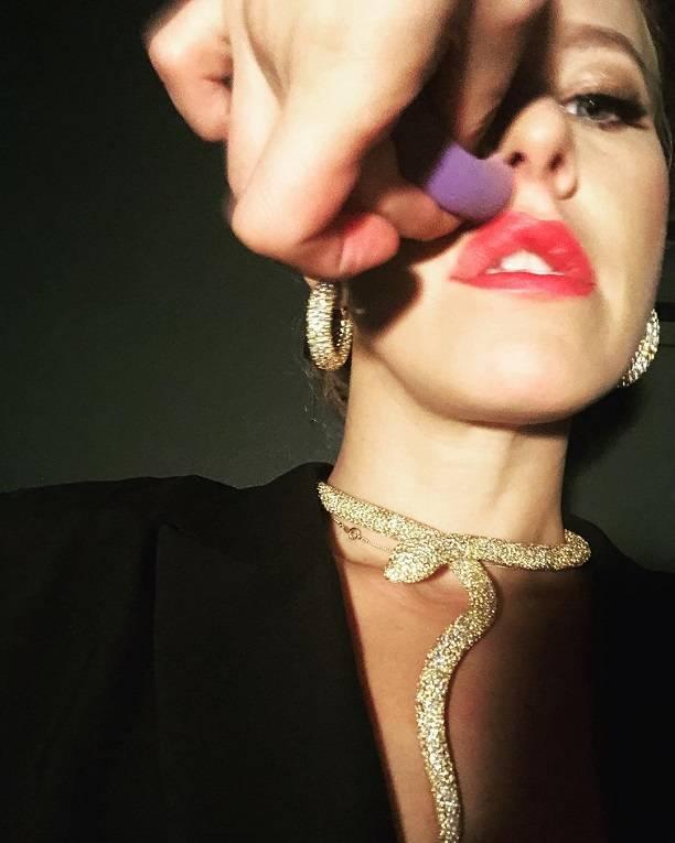 Неудачный ракурс фото до невозможности раздул губы Ксения Собчак