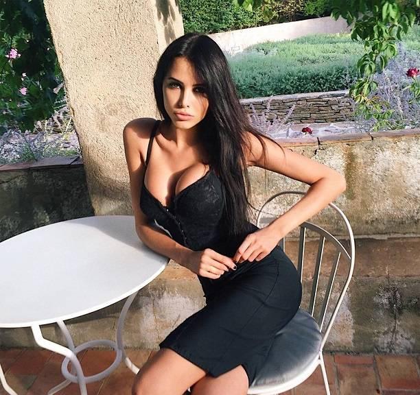 Грудь выпадает: Анастасию Решетову осудили за развратный снимок