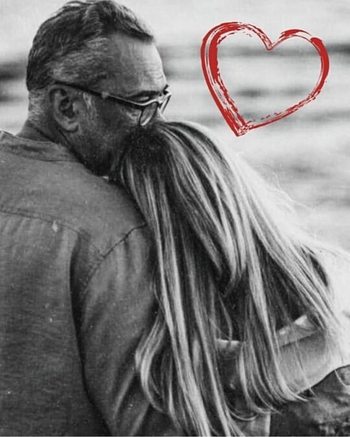 Вера Брежнева поделилась трогательным снимкам с Константином Меладзе