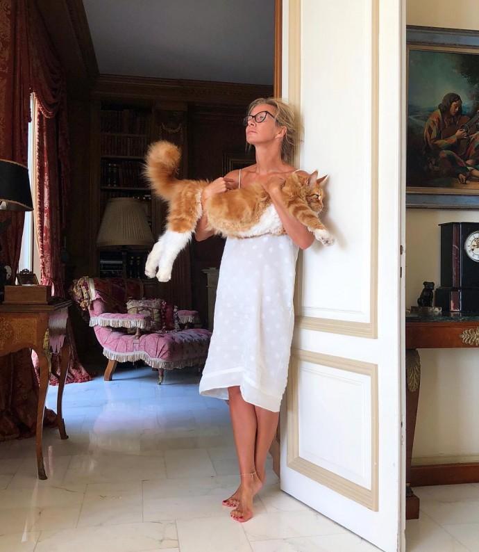 Ника Белоцерковская выложила фото в милых трусиках