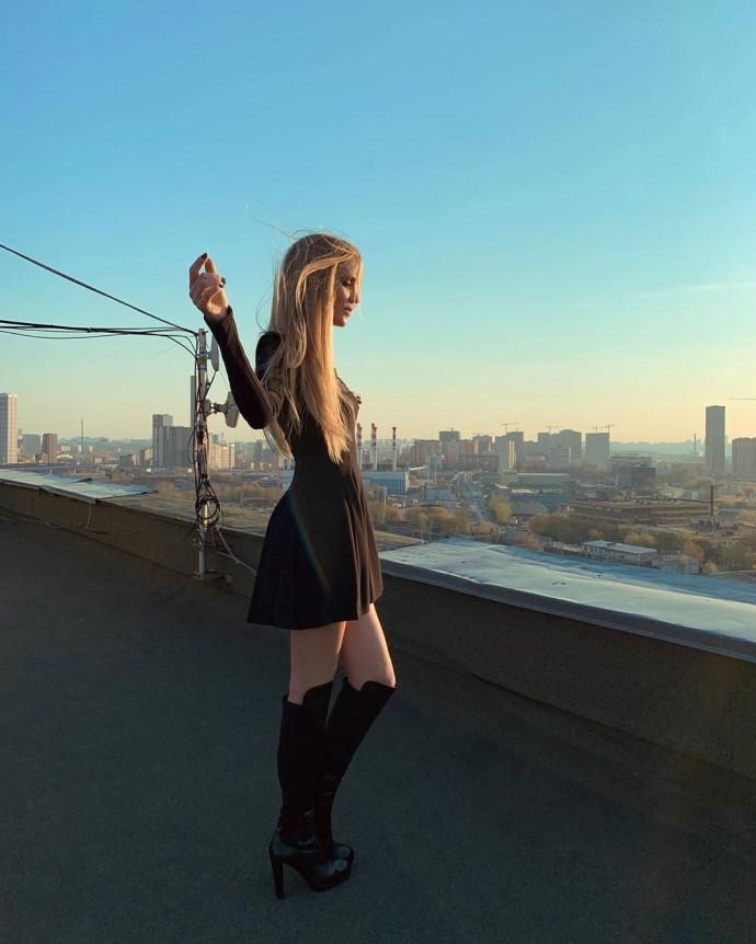 Полина Гагарина и Глюкоза прогулялись по крышам московских домов