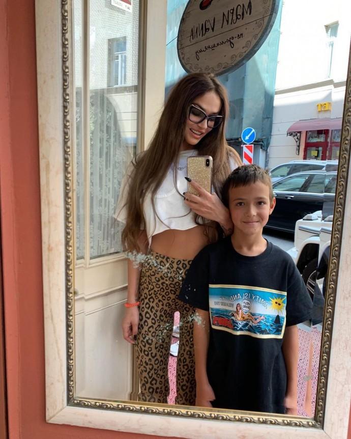 Алена Водонаева перевела сына на особое обучение
