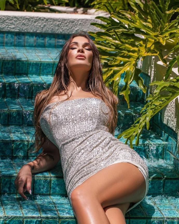 Алёна Водонаева снялась в сексуальной фотосессии
