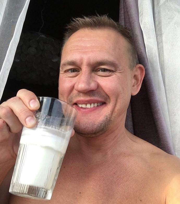 Степан Меньщиков переломал себе ребра в автоаварии
