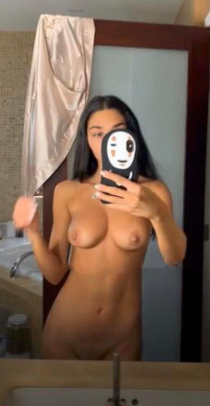 Хакеры выложили в сеть интимные фото бывшей подружки Джастина Бибера Шантель Джефрис