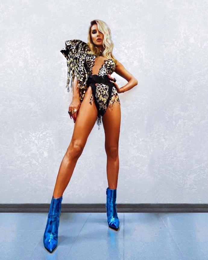 «У нее на трусах накладки для попы»: концертный директор Светланы Лободы подтвердил, что певица использует поролон