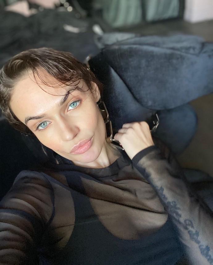 """Глаза сиамской кошки"": Алена Водонаева опубликовала фото после ванной"