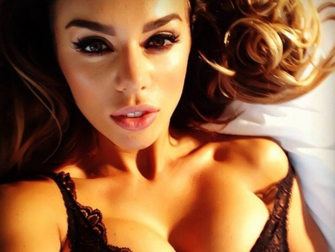 """""""Я больше не хочу веселить тех, кто видит во мне телку с грудью"""": Анна Седокова ответила критикам"""