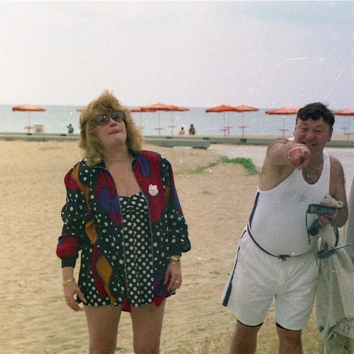 В сети появился ретро-снимок Аллы Пугачевой в купальнике