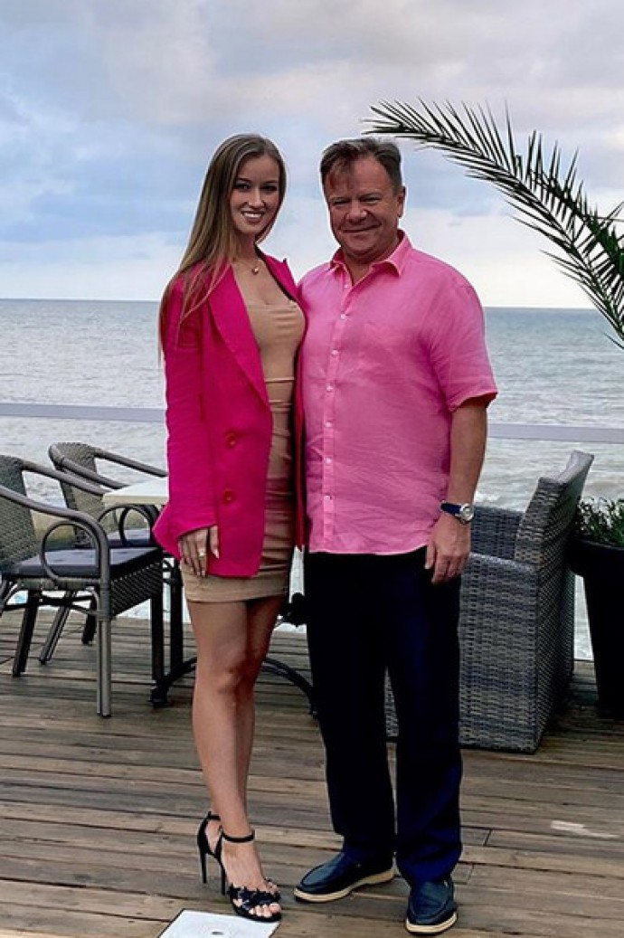 58-year-old saxophonist Igor Butman has an affair with a 26-year-old native of Chelyabinsk