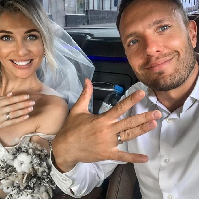 Невеста ведущего Первого канала Тимура Соловьева выбрала необычный образ для свадьбы
