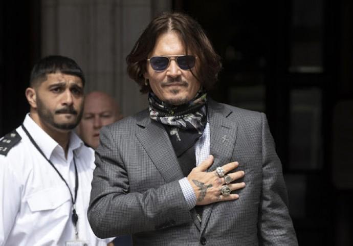 Amber heard compromises Johnny Depp's job