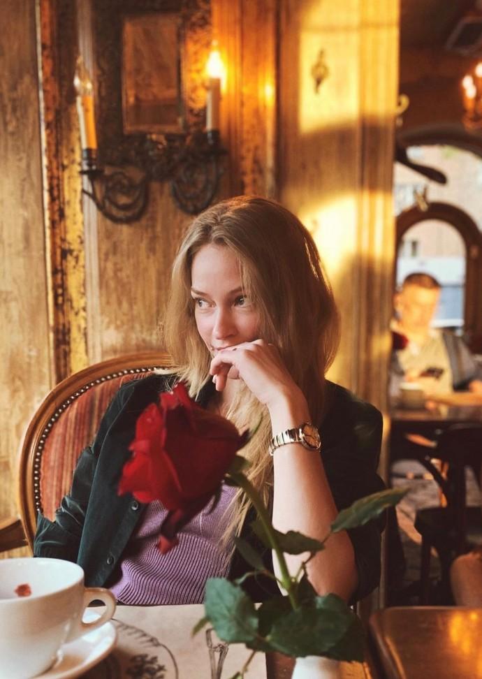 Светлана Ходченкова стала брюнеткой, огорчив своих поклонников