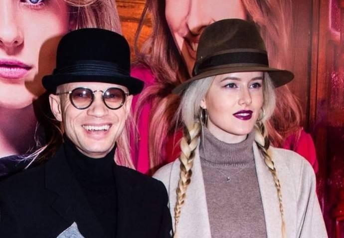 Катя Варнава и Дмитрий Хрусталев устроили поцелуйчики в эфире телешоу