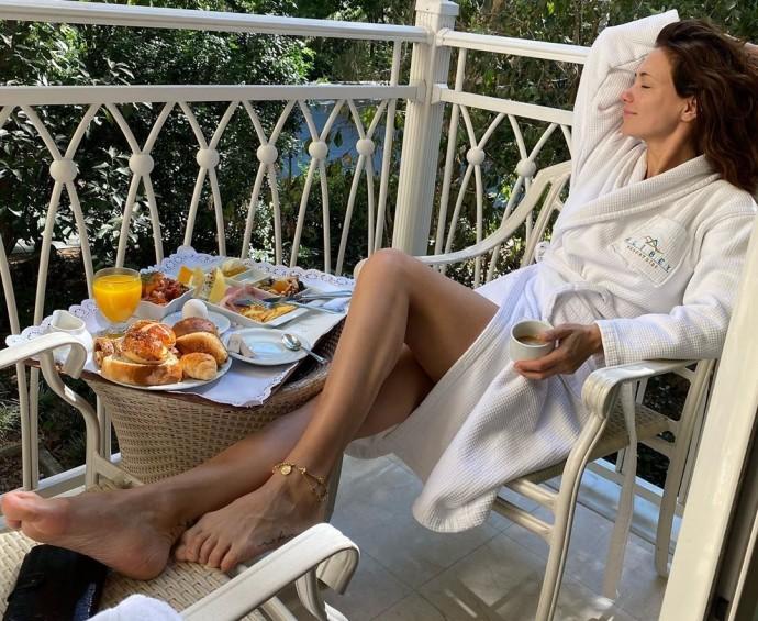 """""""Бабулин купальник!"""": Екатерину Климову раскритиковали за выбор бикини"""