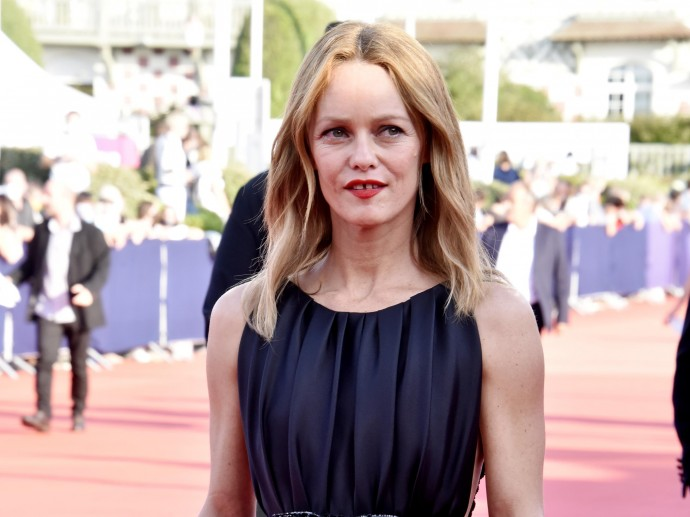 Vanessa Paradis impressed everyone with an aged look and painful thinness