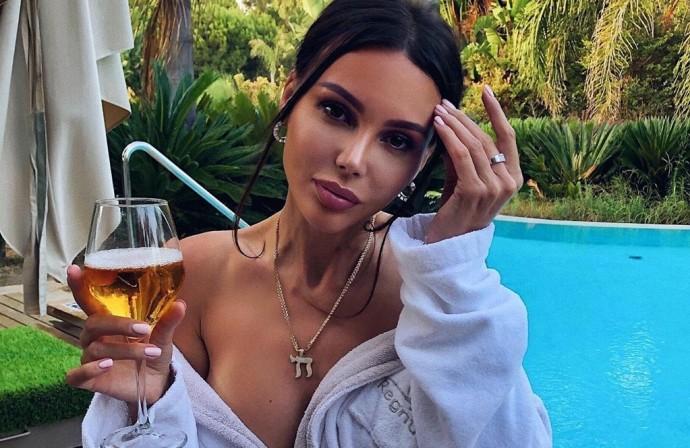 Оксана Самойлова призналась, что планирует сделать операцию