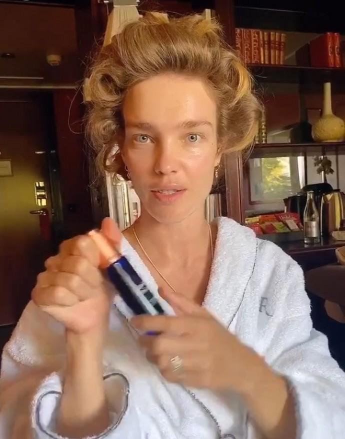 38-летняя Наталья Водянова показала, как выглядит ранним утром без макияжа