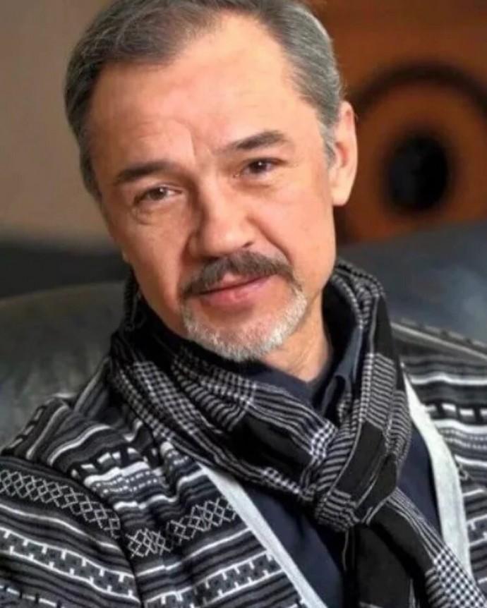 Елизавета Боярская попросила помощи вышедшему из комы актёру Леонову-Гладышеву