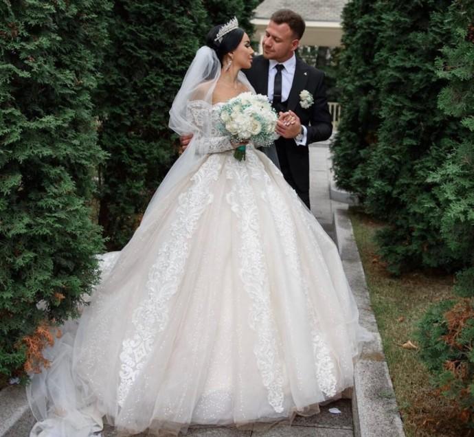 """Беременная участница """"Дом-2"""" Анна Левченко объявила о разводе с мужем через три недели после свадьбы"""