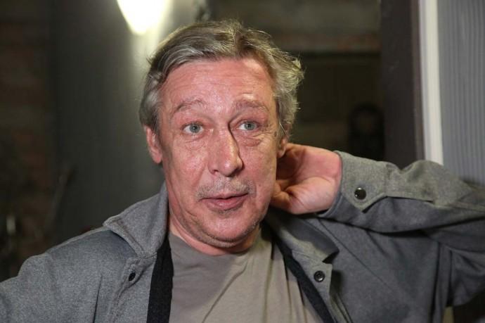 После оглашения приговора Михаилу Ефремову, его любовница скрылась в неизвестном направлении
