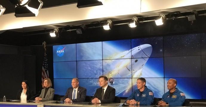 Том Круз отправится в космос