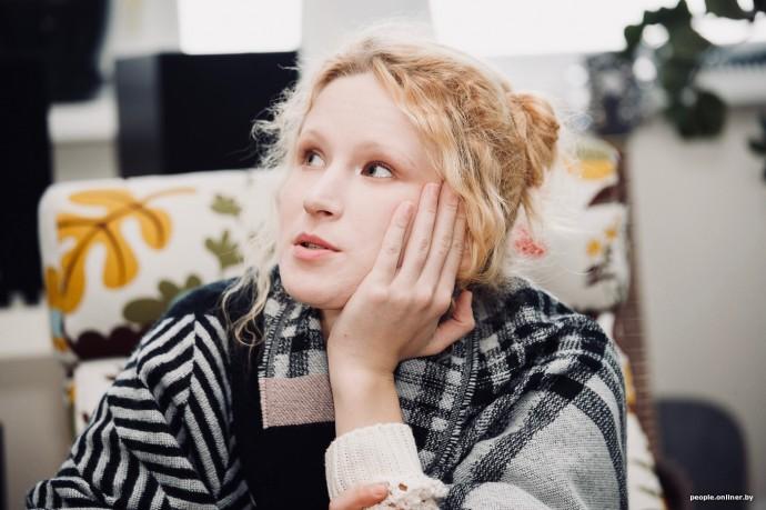 22-летняя певица Монеточка призналась, что крутит роман со своим продюсером