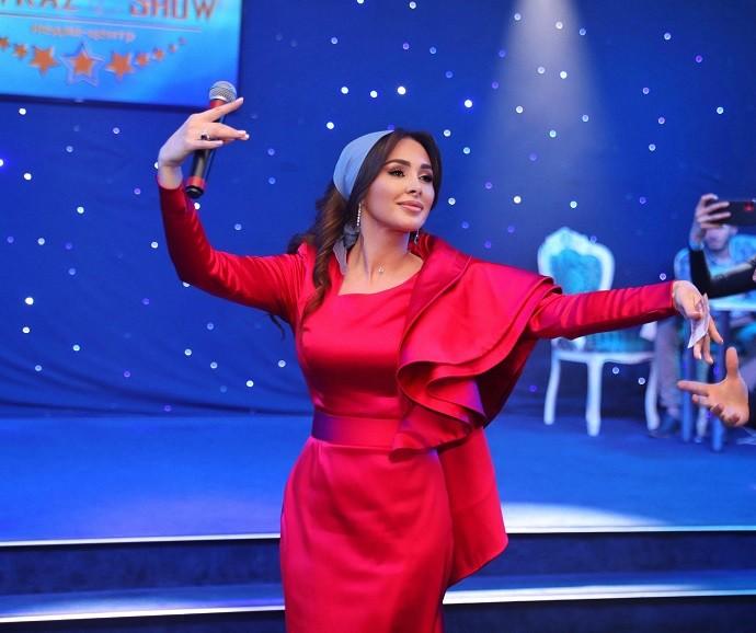 Чеченская певица Элина Дагаева решилась на творческий эксперимент