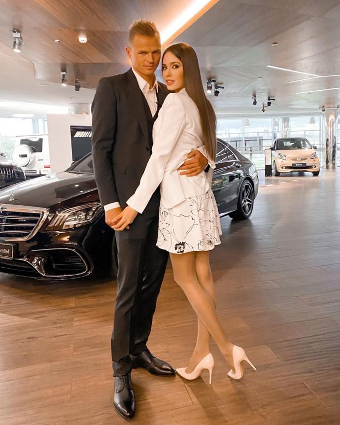 Анастасия Костенко высказалась по поводу третьей беременности