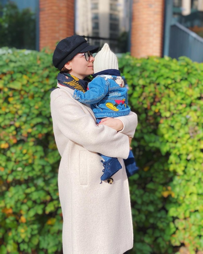 """Little dude"": Tatyana Brukhunova put on a stylish suit for her son and went for a walk"