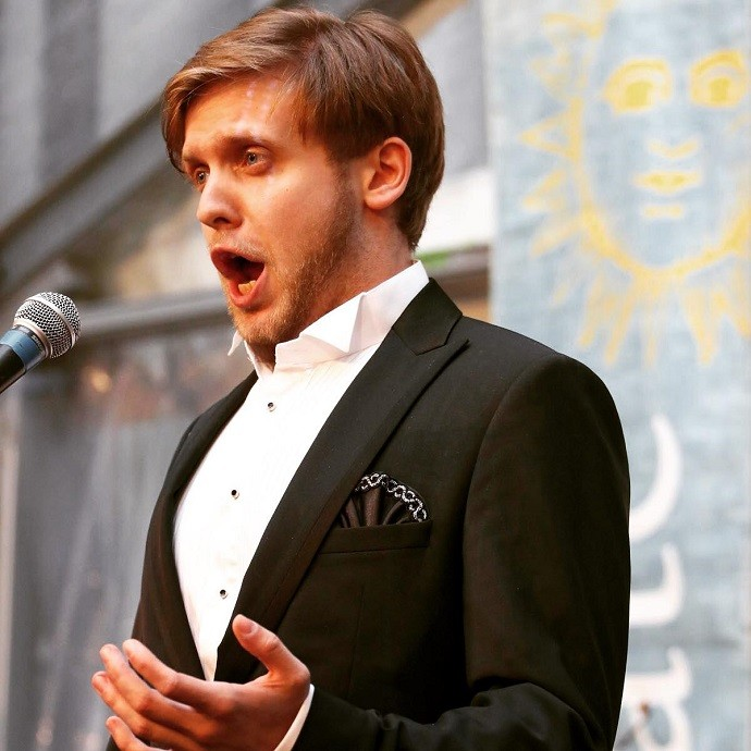 """In the absence of concerts and the usual standing ovation, I learned how to bake pies"": the rising star of the opera scene, baritone Vladislav Chursin spoke about the pros and cons of the pandemic, Italy, Kazarnovskaya and plans for the next 10 years"