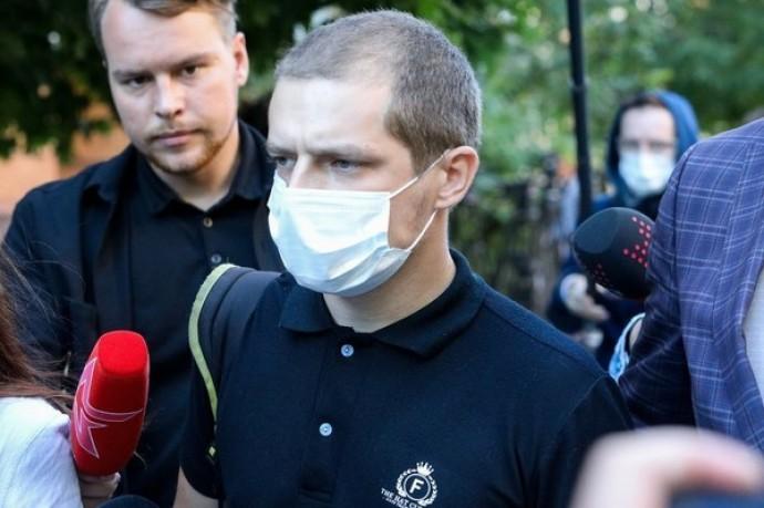 """Сын погибшего Сергея Захарова сообщил, что """"пока не может принять извинения Михаила Ефремова"""""""