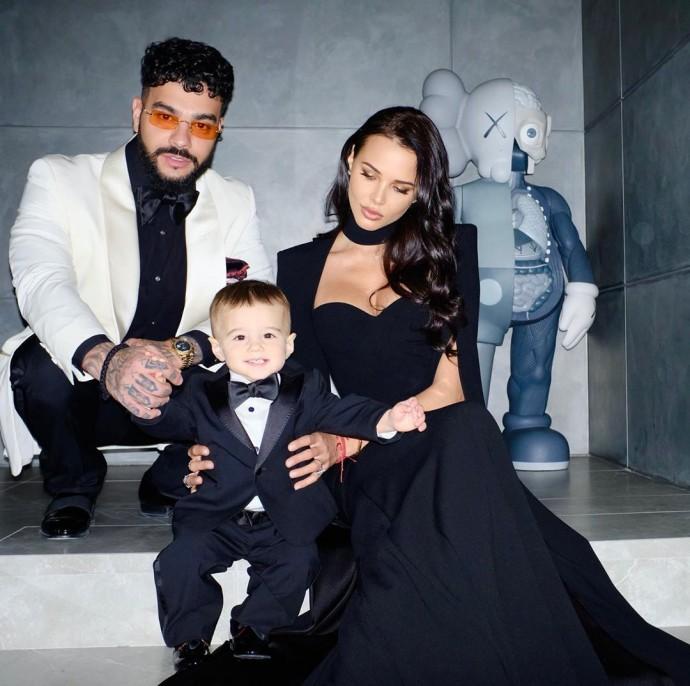 Тимати и Анастасия Решетова устроили семейную фотосессию